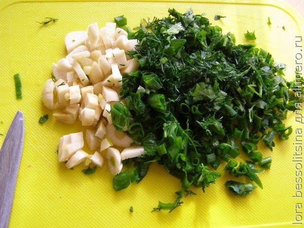 суп сельдерейный, чеснок и зелень