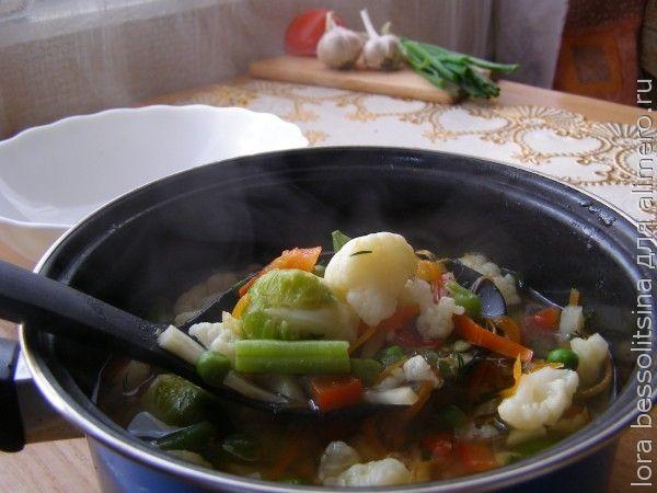 суп сельдерейный, в кастрюле
