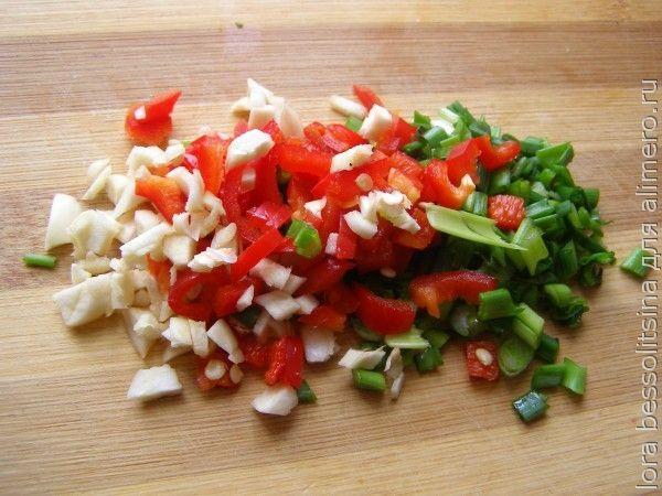 постный борщ, чеснок, перец и лук зеленый