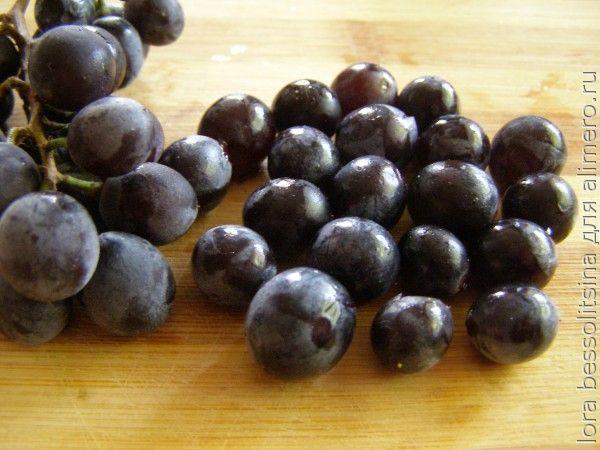 салат с кукурузой, виноград
