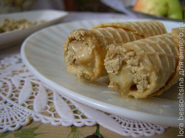 фруктовый десерт в лаваше, в трубочке