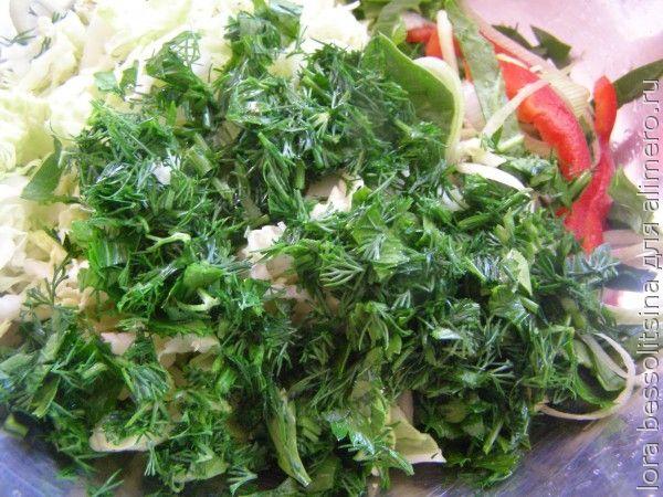 салат со шпинатом, зелень