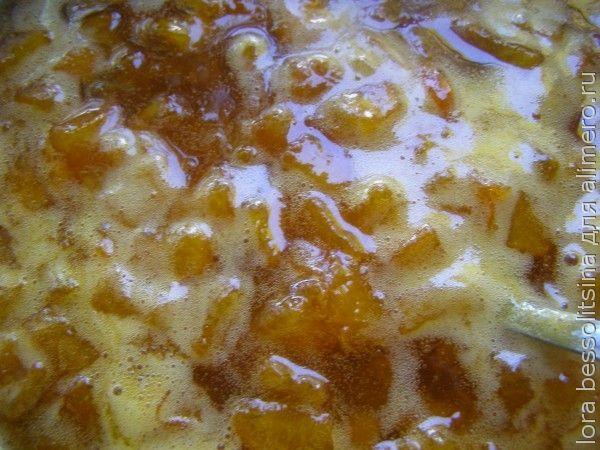 абрикосовое варенье, варится