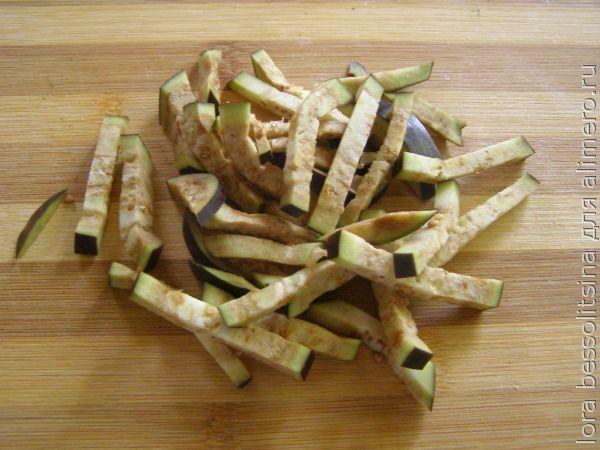 салат с вермишелью, баклажан