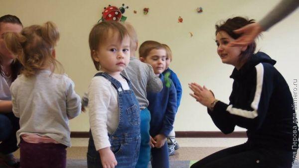 Стоит ли отдавать ребенка до двух лет в детский сад?