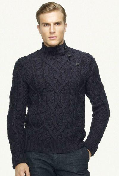Эта модель интересна, прежде всего, необычным кроем воротника.  Черный цвет и витиеватый узор придают свитеру строгий, но изящный вид.