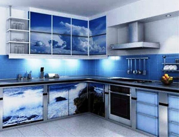 А как вам такой морской дизайн? Немного холодное и строгое сочетание стального, синего и голубого цветов, идеально впишется в интерьер нордического стиля.