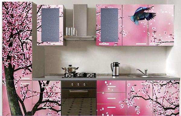 Цветущая сакура навевает возвышенные мысли. На такой кухне хочется творить, создавать шедевры кулинарного искусства.