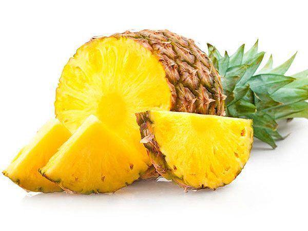 Ананас можно посадить как комнатное растение.  Для этого нужно срезать листья с небольшой частью плода. Мякоть тщательно вычистить (чтобы не допустить гниения) и погрузить нижнюю часть  в стакан с водой. После появления корешков ананас можно высаживать в горшок.