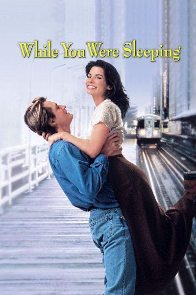 Пока ты спал. Люси – продавщица жетонов в метро. Влюбленная в симпатичного незнакомца, однажды спасает ему жизнь. Он – в коме, а его родные думают, что Люси, это его невеста. И надо же такому случиться, что незаметно для себя Люси влюбляется в Джека, брата незнакомца.