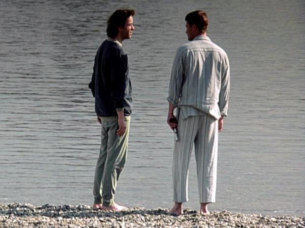 «Достучаться до небес». Находясь буквально в шаге от смерти, Мартин Брест и Руди Вурлитцер принимают решение исполнить свои самые заветные мечты.