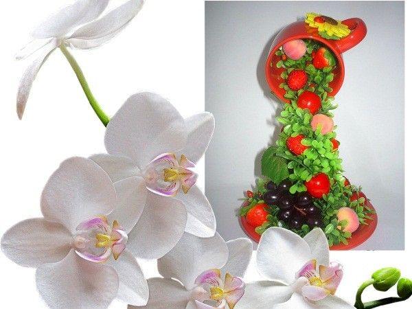 Для такого фруктопада, понадобится чашка с блюдцем и искусственные ягодки с листочками. Купить фурнитуру можно в любом магазине для рукоделия.