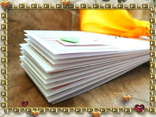 На отрезках красивой бумаги напишите или напечатайте различные приятности, поощрения и нежности. Сложите их в небольшую коробочку и украсьте лентой и сердечками.