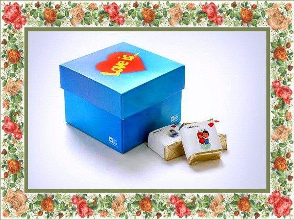 Коробка с шоколадками - для любимой сладкоежки.