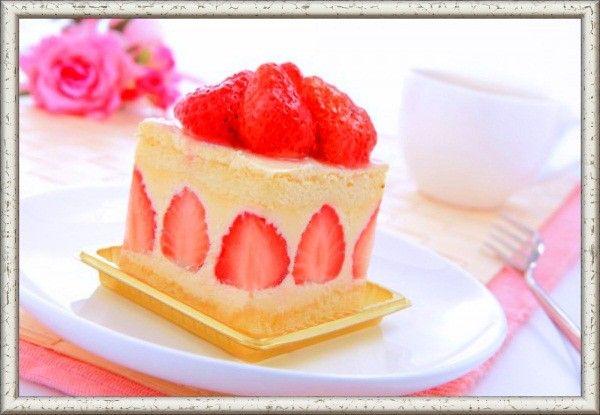 1. Первоначальное условие удачного бисквита заключается в правильной пропорции ингредиентов. Для бисквита средней величины нужны 5 яиц, 200 г сахара, 3/4 стакана муки высшего сорта, 1/4 стакана картофельного крахмала и щепотка соли.