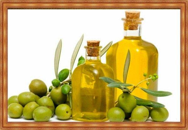 От стойкой туши можно избавиться не только при помощи мицеллярной воды, но и обычного оливкового масла.