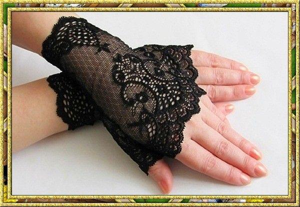 И еще один совет. Не спешите расставаться с перчатками. Кожа рук плохо переносит смену погодных условий, начинается шелушение, кожа становится сухой. Поэтому легкие ажурные перчаточки в холодную сырую погоду будут совсем не лишними.