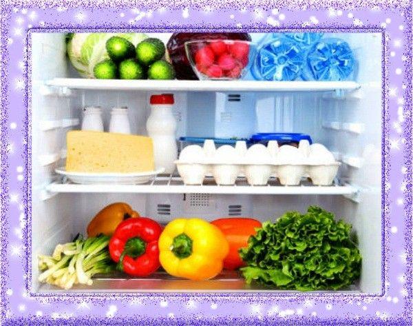 4. Освежитель для холодильника. Лимонная цедра впитывает в себя неприятные запахи, а взамен «дарит» приятный цитрусовый аромат.