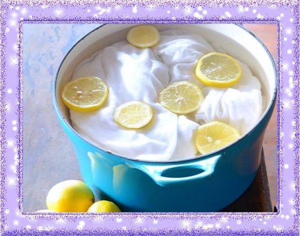 3. Отбеливатель. Лимон обладает природными отбеливающими свойствами. Чтобы придать белым хлопчатобумажным вещам более свежий вид и избавиться от некоторых видов пятен (например, ржавчины), добавьте в машину перед стиркой немного лимонной кислоты.