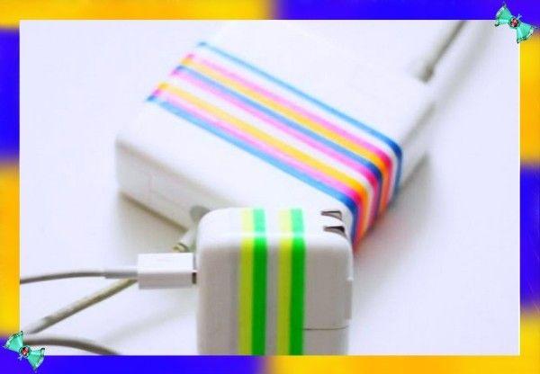 13. Маркировка проводов и разъёмов. Чтобы никогда не путать, что куда всовывать и каким концом, вы можете промаркировать провода с помощью канцелярских резинок разных цветов.