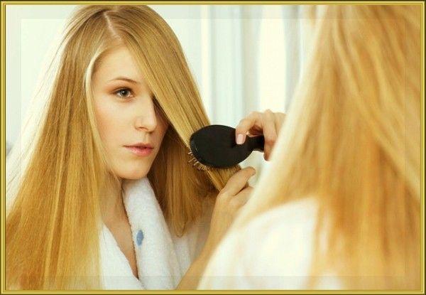 11. Лайфхак для тех, у кого длинные волосы, или волосы, которые быстро становятся жирными: не надо мыть голову каждый день — просто вымойте, высушите и уложите чёлку (или одну верхнюю прядь волос).