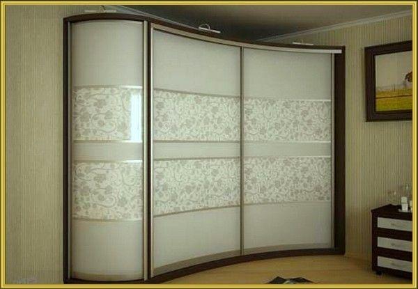 Шкаф-купе с матовым стеклом