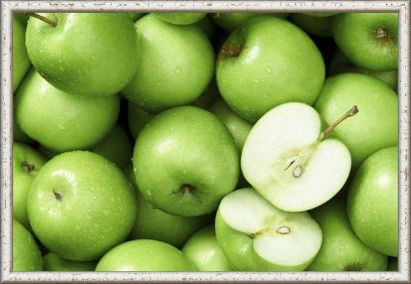 8. Яблоки к мясу. Продукты: 1,5 кг яблок, 10 ст. л. растительного масла, ¾ ст. воды, 0,5 ч. ложки соли, 150 г сахара, 1 ч. ложка майорана. Приготовление: Яблоки с кожицей и без семян порежьте на 8 частей (держите в подкисленной воде, чтобы не потемнели). В миску влейте воду, положите яблоки, проварите, чтобы они стали слегка мягкими, но не разварились. Влейте масло, добавьте соль, сахар, майоран и перемешайте. Выложите в банки. Пастеризуйте 20 минут.