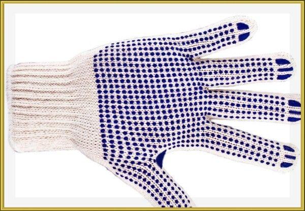 9. Сделать удобные и недорогие велосипедные перчатки можно из пары строительных перчаток, просто обрезав «пальчики» и подпалив торчащие нитки зажигалкой.