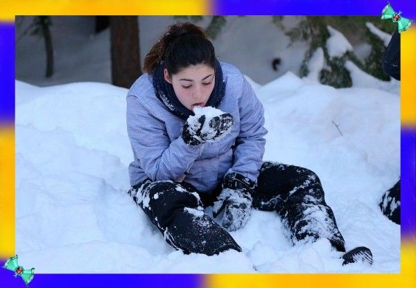5. Ни в коем случае не ешьте снег, чтобы напиться. На морозе снег слабо утолит жажду, зато ваше тело потратит на его переработку в воду драгоценную энергию, и вы замерзнете еще сильнее. Поэтому оставьте этот вариант на самый крайний случай. Да и то, сначала подержите снег во рту, чтобы он расстаял и только потом глотайте жидкость.