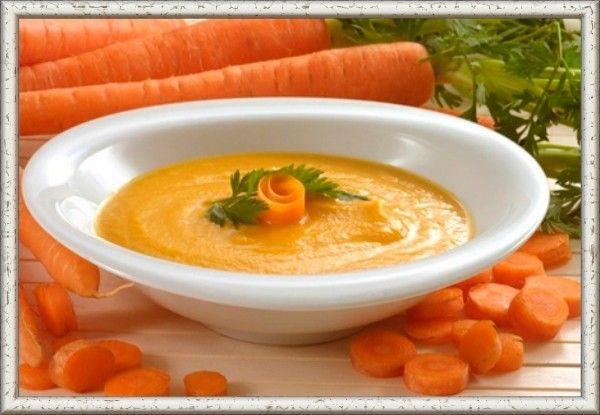 7. Морковно-творожное пюре. 4 морковки натереть на терке и смешать со стаканом свежего творога. Добавить сахар (2 ст. ложки). Заправить сметаной (1/2 стакана).