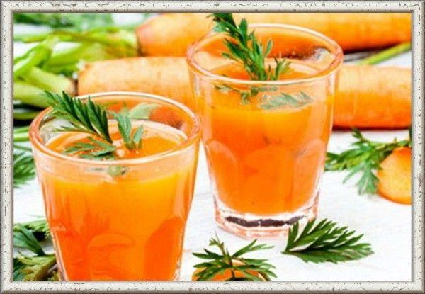 8. Морковный коктейль. Очищенную морковь (500 г) натереть на терке, добавить 1/2 стакана кипяченой воды, отжать сок. 200 г сливок взбить с медом или сахаром. Соединить сок со взбитыми сладкими сливками. Полученный коктейль разлить в стаканы. Коктейль также можно взбить в миксере.