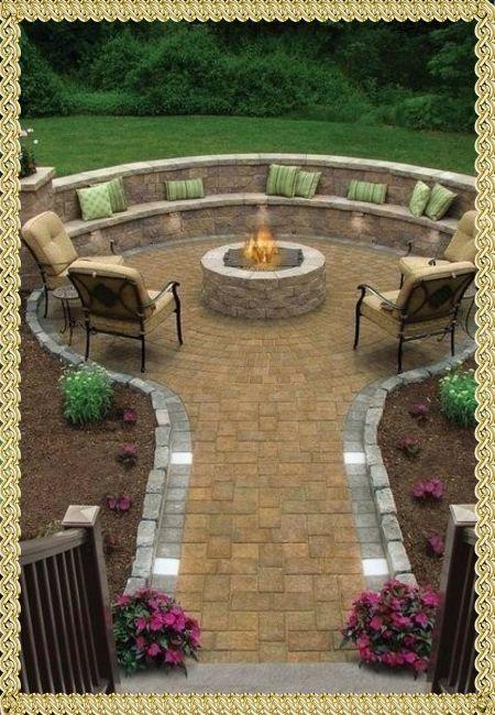 Дизайн садового участка с камином.