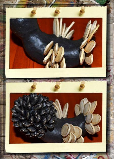 2. Курочка Чернушка. Первый ряд хвостика начинаем выкладывать сверху. Каждый последующий ряд тыквенных семечек спускаем ниже (к спинке). Когда крылья и хвост готовы начинаем выкладывать голову курочку семенами подсолнуха.
