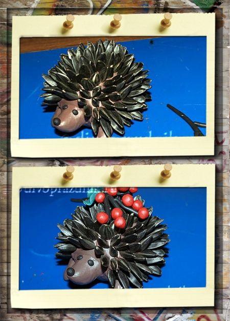 1. Прикольный ежик из пластилина. Сделать 3 маленьких кружочка из черного пластилина. Один чуть больше, для носика, два поменьше для глаз и прилепить их на место.  Украсить ежика гроздью ягод.