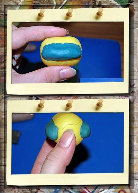 1. Прикольный ежик из пластилина. По бокам пластмассовой коробочки нужно прилепить немного пластилина, чтобы ежик не был просто овальным, а приобрел более естественные очертания.