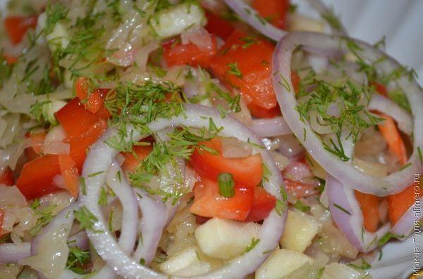 салат из квашеной капусты с болгарским перцем