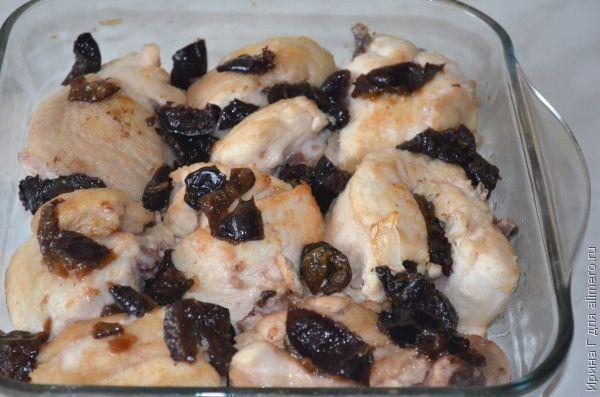 Курица с черносливом в ореховом соусе