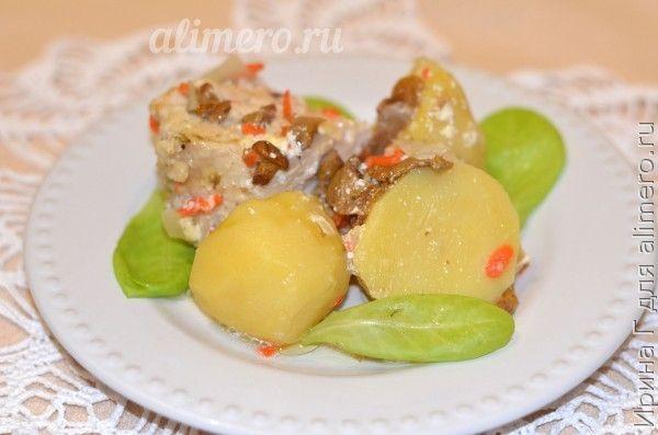 курица тушеная с овощами и лисичками