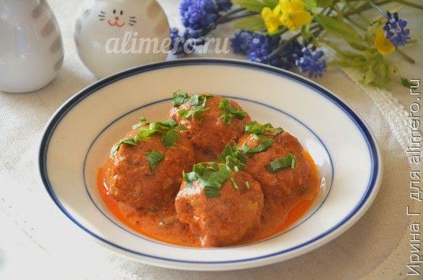 тефтели с сметанно-томатном соусе