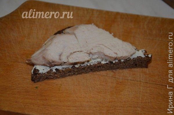 бутерброды с курицей и кресс-салатом