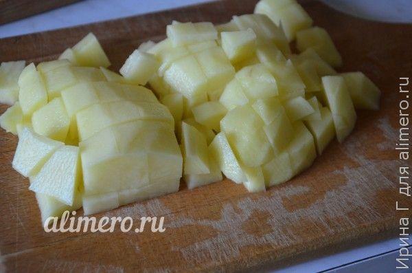 овощное рагу с курицей на сковороде