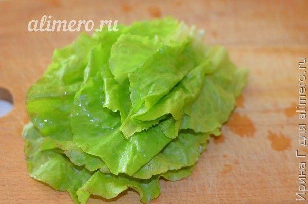 летний салат из сельди с огурцом