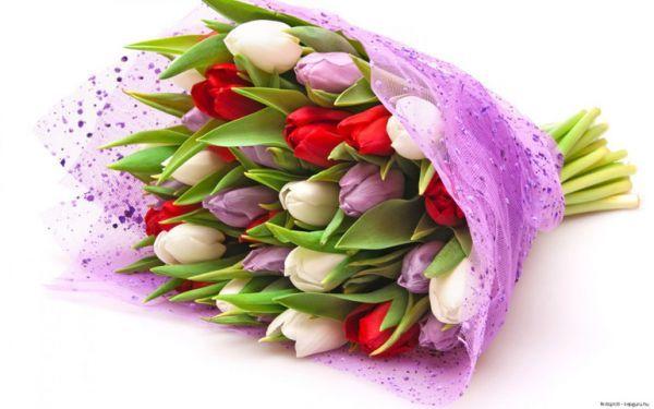 Все, без ислючения, женщины любят цветы. Какие именно - это личные предпочтения каждой. В этот день наши мамы хотят весенних букетов, потому что они этого заслуживают!