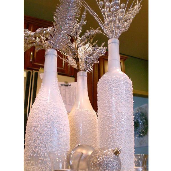 Нам понадобятся обычные бутылки. Стеклянные, из-под вина. Акриловые краски, клей ПВА и соль, обычная кухонная соль.