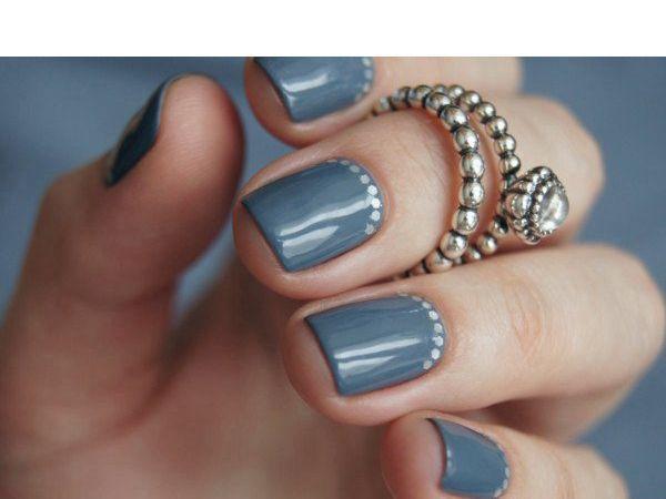 Ногти, которые не закрывают подушечку пальца, и даже не достают до ее края, оставляя сверху полоску кожи – вообще хит ногтевой моды. Правда, такие ногти должны быть супер-ухоженными.