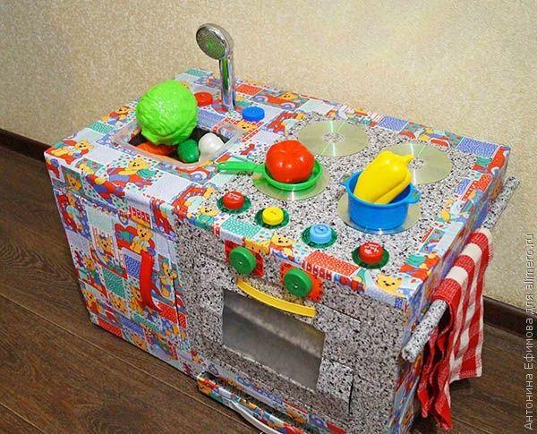 Делаем для ребенка кухонную плиту из картонных коробок