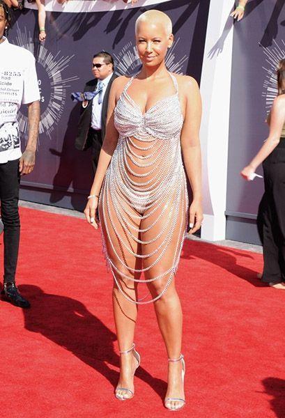 Эмбер Роуз. 31-летняя  американская актриса, фотомодель и певица. В 2009 году она позировала в рекламе Луи Виттона для новой линии кроссовок. А затем объявила о выпуске собственной линии защитных очков.