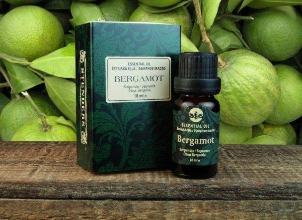 Эфирное масло бергамота. Снимает повышенную температуру при инфекционных и воспалительных болезнях. Устраняет воспаление носоглотки и пазух носа. Усиливает сексуальные возможности. Способы применения: аромалампы - 2-3 капли; массаж 3-4 капель на 10-15 г основного масла; ванны - 5-8; сауна – 5; внутрь - 2-3 капли с медом.