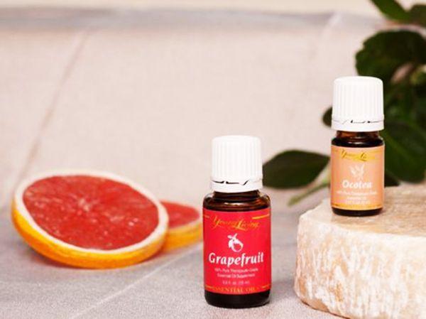 Эфирное масло грейпфрута. Применяется при лечении легочной недостаточности, аритмии, артритов, гепатитов, астенических синдромов. Лечит гипертонию, способствует предупреждению атеросклероза. Возбуждает аппетит, стимулирует волю к жизни. Способы применения: аромалампы - 2-3 капли; сауны, ванны - 5-10 капель; массаж - 10 капель на 10-15 г раст.масла; 2-3 капли масла грейпфрута на 1 кусочек сахара 2-3 раза в день.