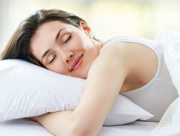 Спать не меньше 8 часов в сутки.